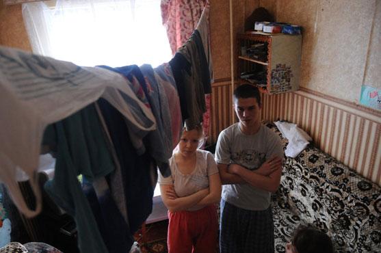 Семья Посунко из дома №10 по ул. Ильича (Динас) по-прежнему надеется на переезд в благоустроенную квартиру