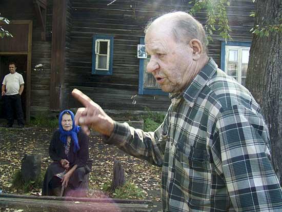 Пока одни жители Кузино возмущаются качеством капремонта, другие негодуют, почему никому нет дела до того, что их дома разваливаются