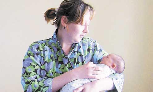 Елена Гимазетдинова родила дочку Самиру два дня назад уже в новых условиях. Говорит, что в новом родильном отделении даже дышится легко