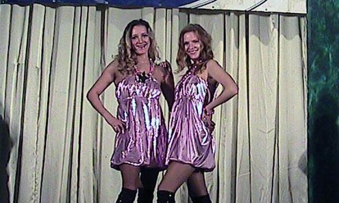 Вокалистки дуэта «Лада» Екатерина Казина и Вера Исмагилова не только поют, но и отвечают за хореографию своих номеров