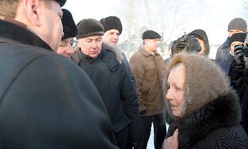 Губернатор Александр Мишарин пообещал билимбаевцам взять ситуацию с газификацией их поселка под личный контроль