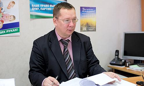 Владислав Изотов говорит, что неточные данные о кандидатах представили все политические партии, учавствующие в выборной компании. Просто ЛДПР и КПРФ их уже исправили