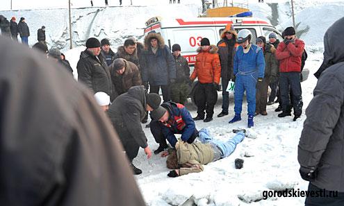 На ралли «Каменный пояс-2010» в Первоуральске гонщики сбили зрителя насмерть