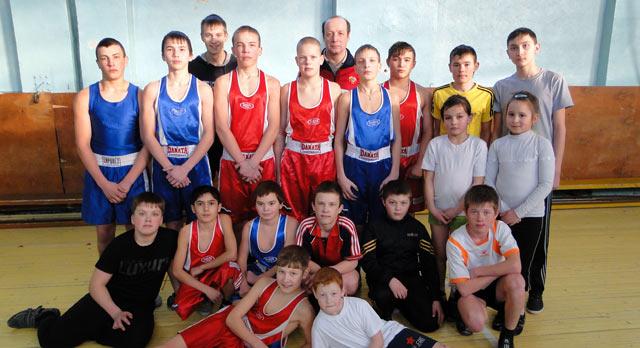 Секция бокса на базе школы №22, тренер — Раиф Муниров.