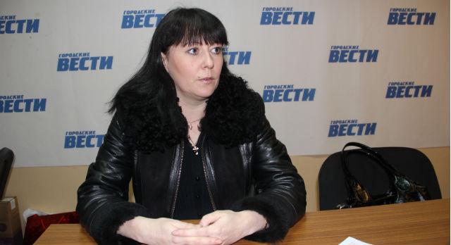 Ольга Былинкина сейчас всеми силами пытается добиться права мужа на прописку, что лишит основания держать его под стражей. Но ей говорят, что это невозможно —  необходимо личное присутствие Владимира.
