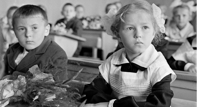 1962 год. Первоклассники одной из школ Киевского района столицы Фото: Виктор Кошевой / ИТАР-ТАСС