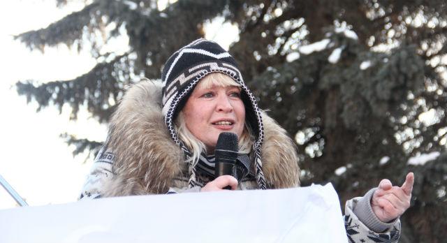 Ольга Старостина (Варганова) на мартовском митинге против введения поста сити-менеджера.