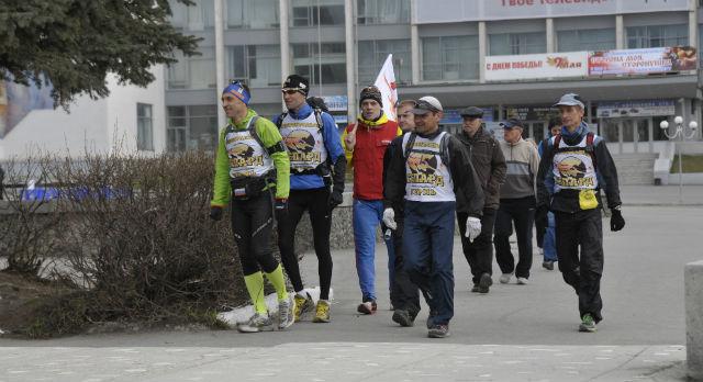 Через несколько минут первоуральские бегуны стартуют.