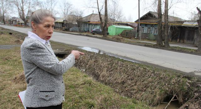 Тамара Дацюк надеется, что регламент поможет навести порядок в поселке.