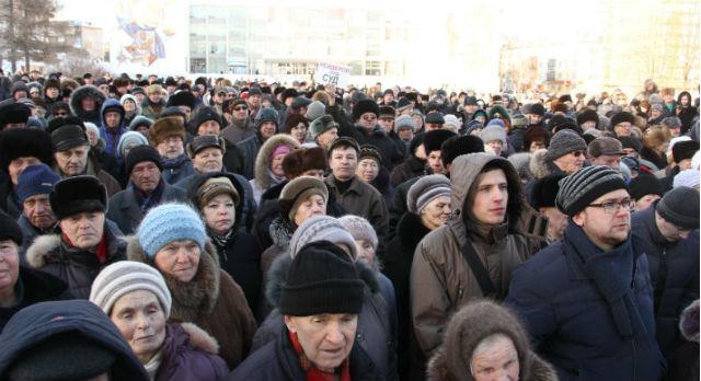 Сегодня митинги в Первоуральске проходят, как правило, на площади Победы. Мартовский митинг против введения поста сити-менеджера.