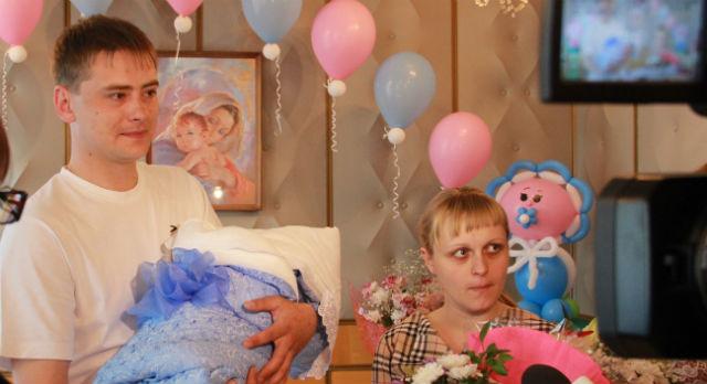 """Ирина и Алексей Артемьевы - счастливые родители двух сыновей. В будущем им хотелось бы """"придти за лапочкой-дочкой"""""""