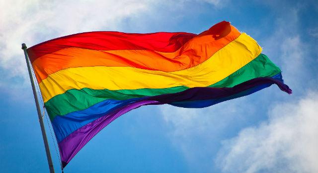 2048px-Rainbow_flag_breeze