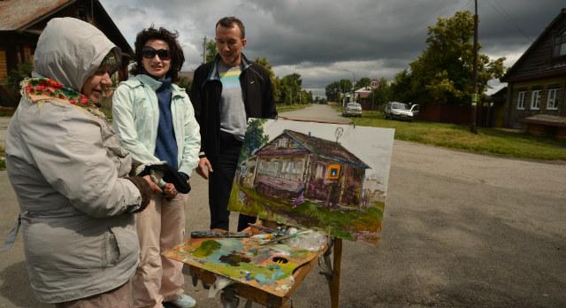 """Директор выставочного центра Илья Бушмелев первым делом старался навести мосты дружбы с художниками. Уже есть договоренность, что в сентябре итоговая выставка """"Арт-Чусовой"""" приедет в Первоуральск"""