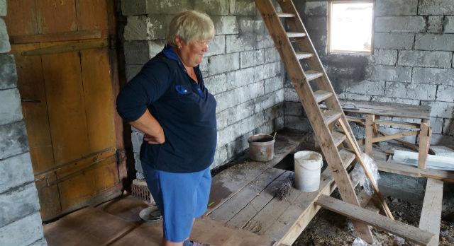 Семья Пребытковых расширяет дом. На месте будущей кухни и был найден немецкий снаряд 1939 года выпуска