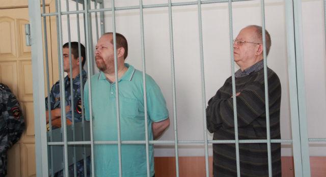 Анатолий (справа) и Вячеслав Злоказовы