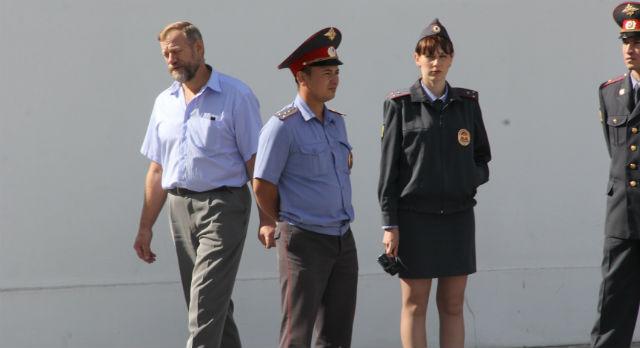 Начальник управления безопасности ПНТЗ Александр Ладыгин лично проследил за пикетом.