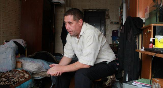 Александр Чащин утверждает, что акт устрашения был вынужденной мерой, чтобы привлечь внимание к коммунальному аду на Ватутина, 18