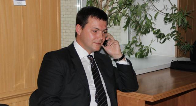 Алексей Дронов прибыл в администрацию первым.