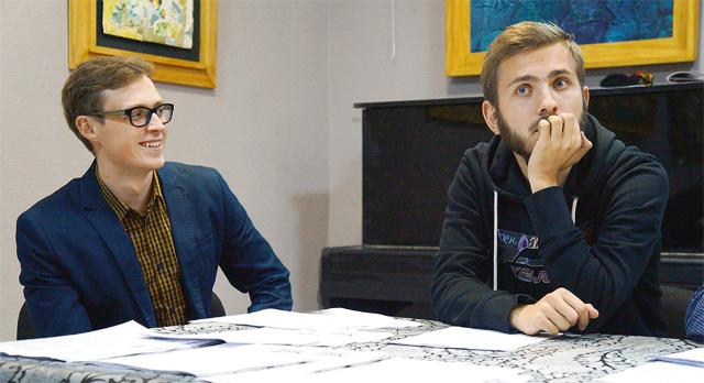 Кураторы фотомастерских Федор Телков и Сергей Потеряев готовы научить первоуральцев снимать со смыслом.