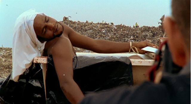 "Кадр из фильма ""Свалка"". Фото с сайта www.praesens.com"