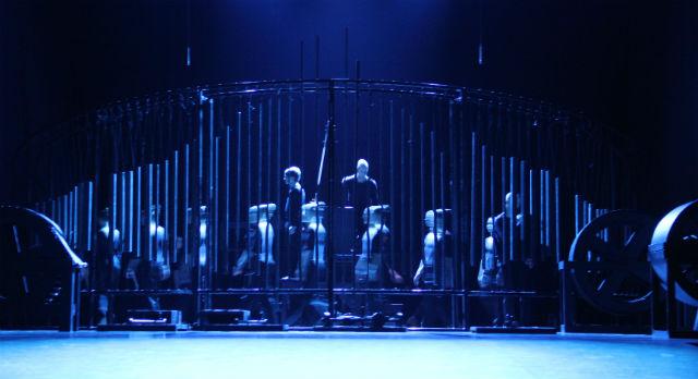 """Этот большой ударный инструмент был создан специально для спектакля """"Ромео и Джульетта"""" Необычный смысл обычных вещей — характерная черта современного искусства."""