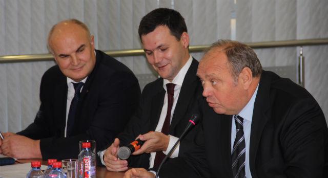 Александр Федоров открыл заседание совета директоров.