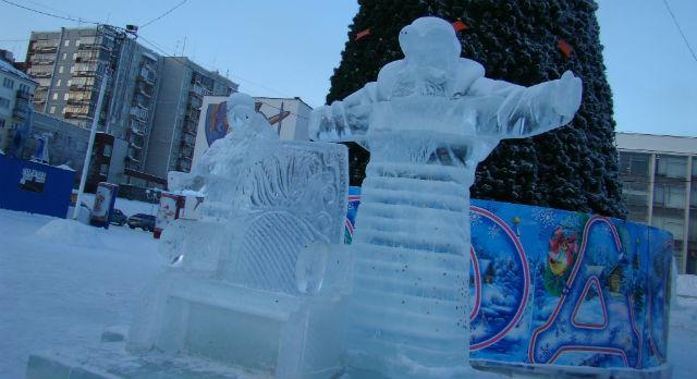 Возможно, в этом году Дед Мороз и Снерурочка вернутся на площадь Победы.