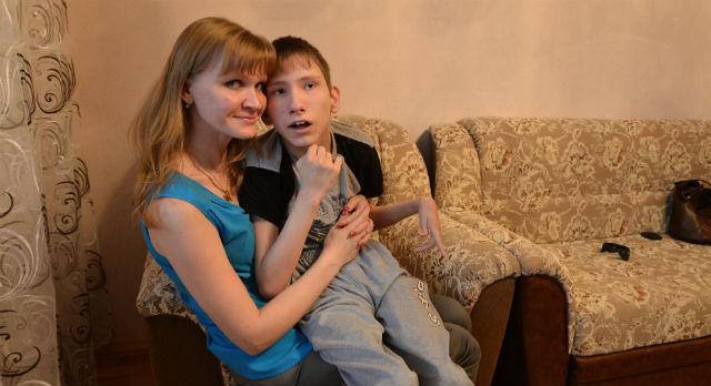 """Татьяна Скрябина говорит, что сын Алеша смотрит на нее """"по-другому""""."""