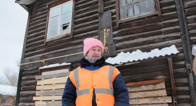 Надежда Торопова, прожившая на Кирова, 8 двадцать лет: «Мне люди из соседних домов говорят: «Повезло вам — расселят!» А я вот не вижу, в чем наше везение. Дома сейчас вообще нет, и появится ли — неизвестно».