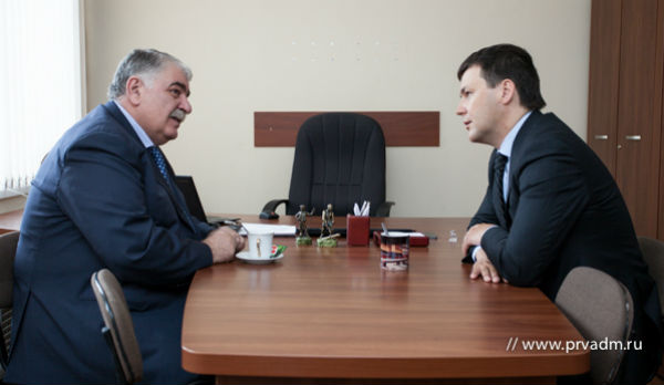 Зелимхан Муцоев и Алексей Дронов. Фото с сайта www.prvadm.ru