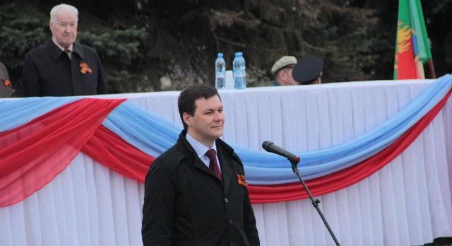 Парад на площади Победы принял глава администрации Алексей Дронов