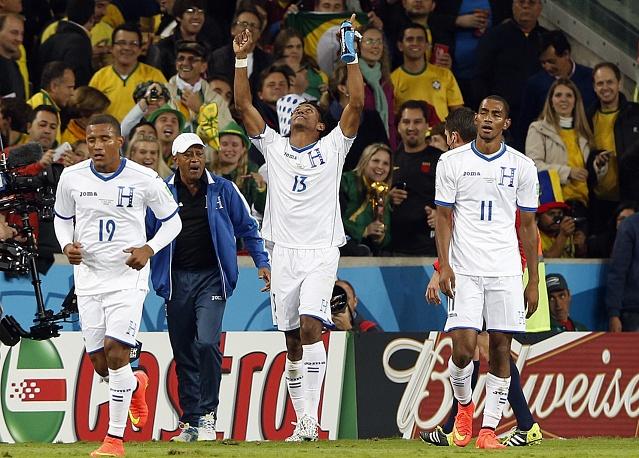 Футболисты Гондураса первыми открыли счет в матче © EPA/JESUS DIGES