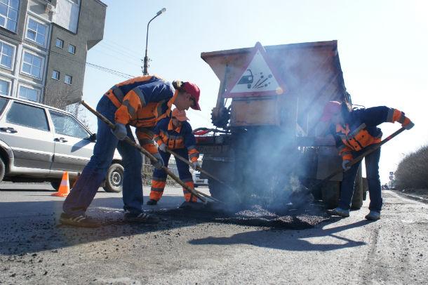 Будем надеяться, что в этом году ремонты дорог будут сделаны не для галочки, а на долгосрочную перспективу