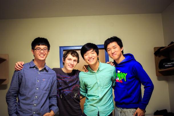 С Денисом в группе, кроме студентов из Европы, были ребята из США, Китая, Австралии, Перу, Мексики и стран СНГ. Все обучение проходило на английском, немецкий же преподавался иностранным студентам как дополнительный.