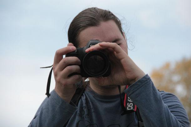 Кроссер Александр Кропочев справился с заданиями фотокросса одним из первых. На выполнение 4(!) заданий у него ушел час (!).  Фото Анны Неволиной