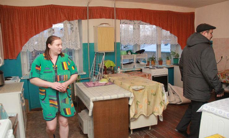 Эту кухню Елена Степченкова ремонтировала собственными силами.  Фото Анны Неволиной