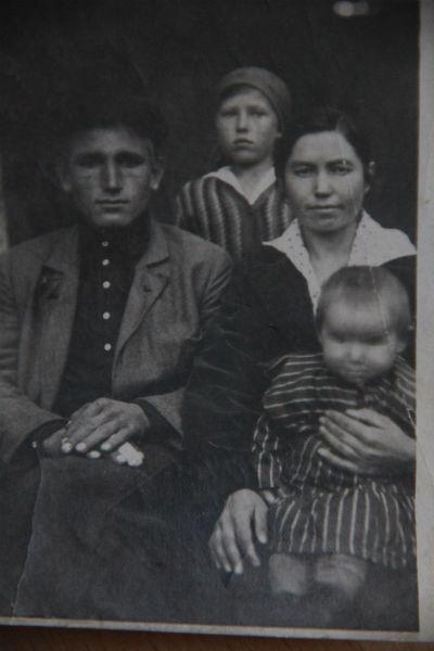 Николай Александров с семьей