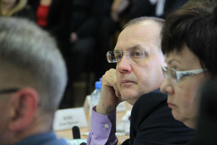 Депутат Геннадий Гарипов