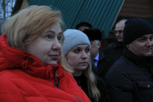 Елена Сотникова живет в Канале 8 лет. Она категорически против строительства в поселке, потому что считает: никто не станет учитывать интересы жителей Фото Анны Неволиной