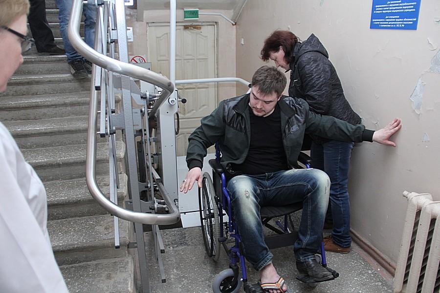 """Пациент может быть и """"колясочником"""", и человеком на костылях. Фото Анны Неволиной"""