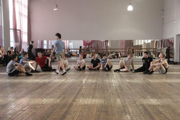 Активно идет подготовка к танцевальному спектаклю Фото Анны Неволиной