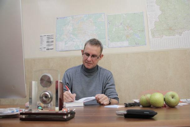 Виталий Листраткин написал уже пятую свою книгу Фото Анны Неволиной