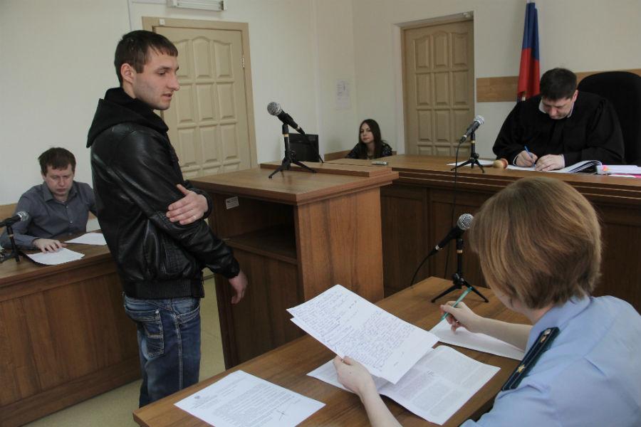 Свидетельствует таксист Николай Коростылев Фото Анны Неволиной