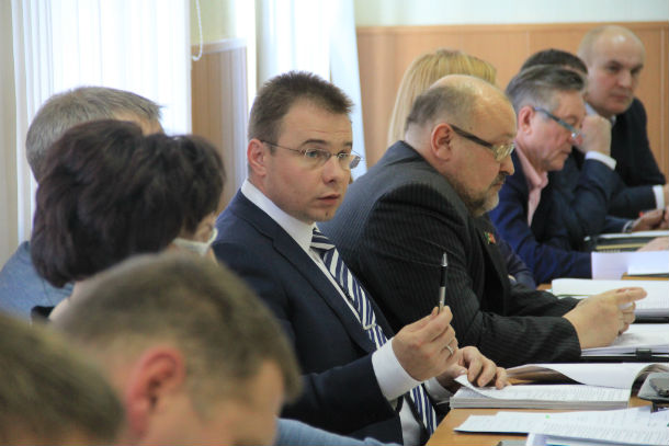 Андрей Углов на отчете глав Фото из архива редакции