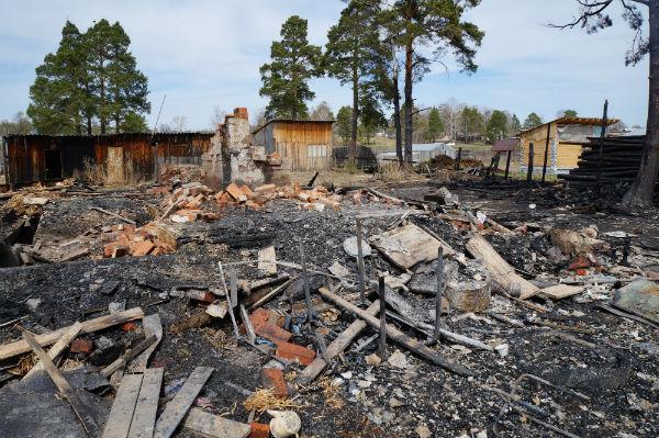 Общая площадь пожара составила около ста квадратных метров Фото Анны Неволиной