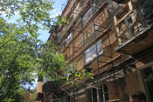 Так выглядит дом №7 по ул. Герцена сейчас — его капитально ремонтируют Фото из архива редакции