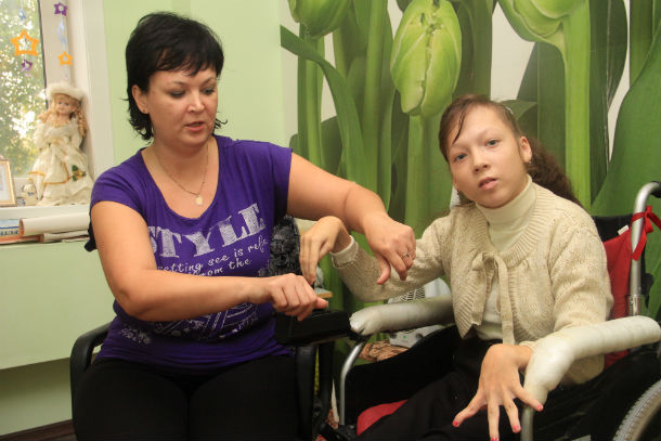 """Наталья Царева: """"Однажды я решила посчитать, сколько уколов поставили моей дочери. На 346-м сбилась"""" Фото Анны Неволиной"""