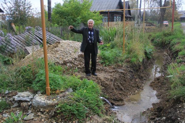 Владимир Макаров уверен, что не пройдет и года, как Доломитовый просто смоет Фото Анны Неволиной