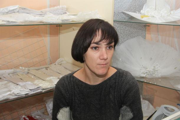 Анастасия Лисютина Воспитывает сына одна и считает, что 2000 рублей в фонд класса — слишком много. Фото Анны Неволиной
