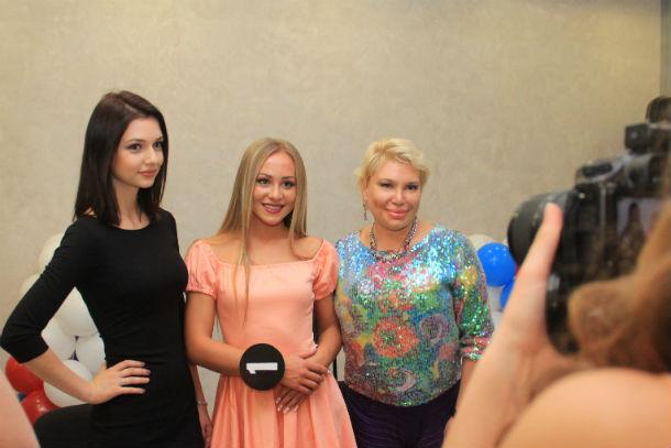 Дарья Канануха (слева) отметила, что в Первоуральске очень красивые девушки Фото Анны Неволиной